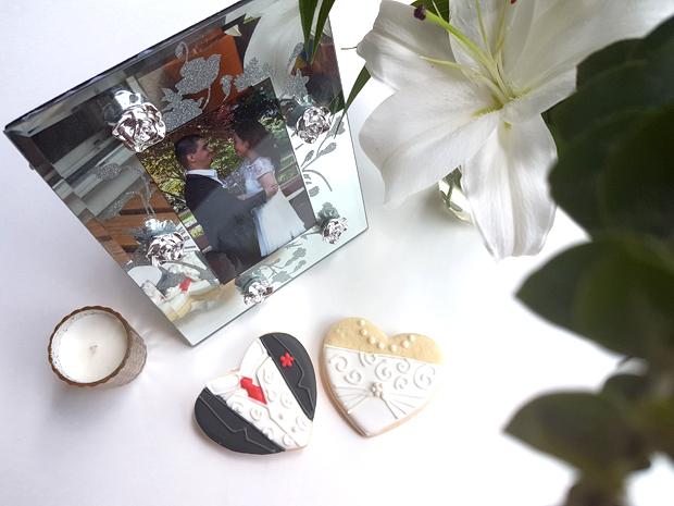 wedding cookies bride and groom