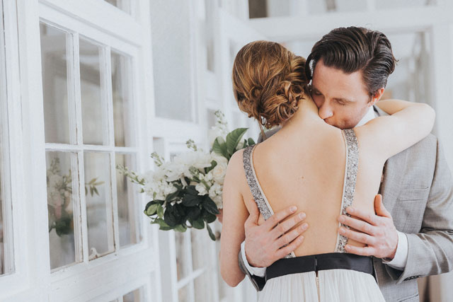 summer-rayne-photo-intimate-art-studio-wedding-inspiration-16