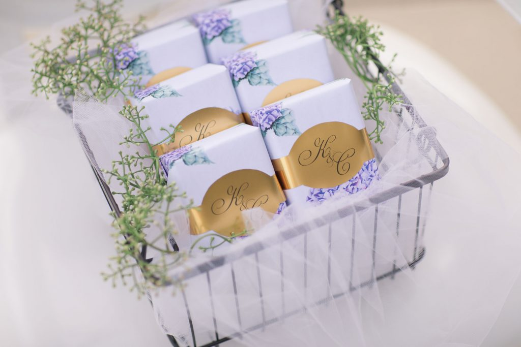 elegant wedding favors and gifts